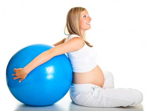 mulher-gravida-bola-pilates.jpg