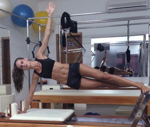 Izabel-Goulart-pilates.jpg