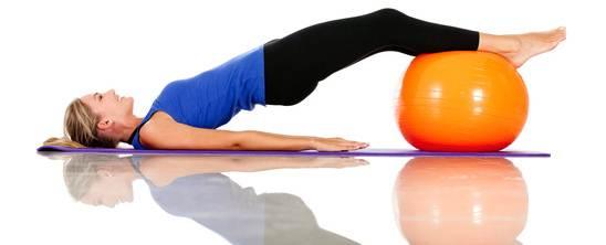 exercícios com bola de pilates