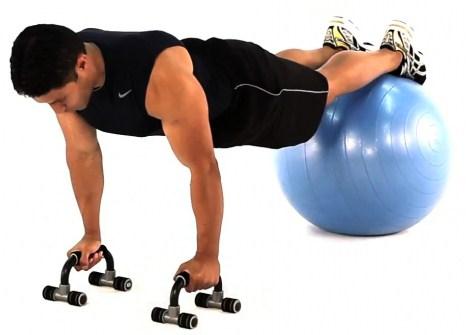 flexao-com-bola-pilates