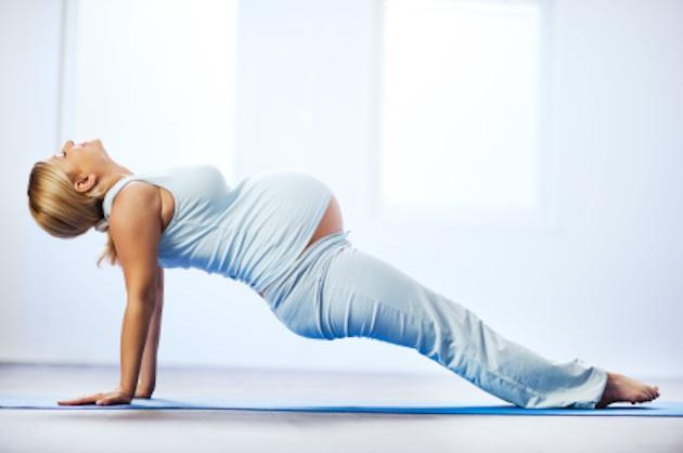 mulher-gestante-pilates-atividade.jpg
